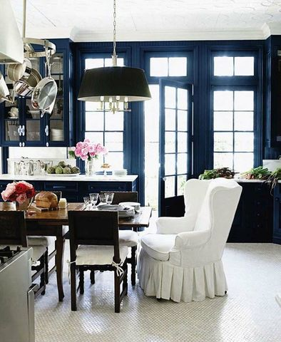 hale-navy-kitchen-from-windsor-smith