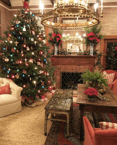 holiday-decor-by-james-farmer