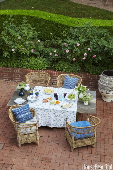 Garden via House Beautiful dining table