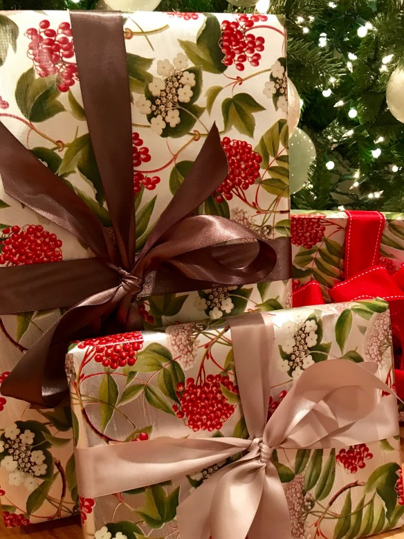 Caspari gift wrap for The Potted Boxwood 16
