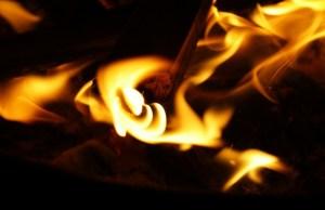 fire-836635_640