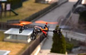 drone-674236_640