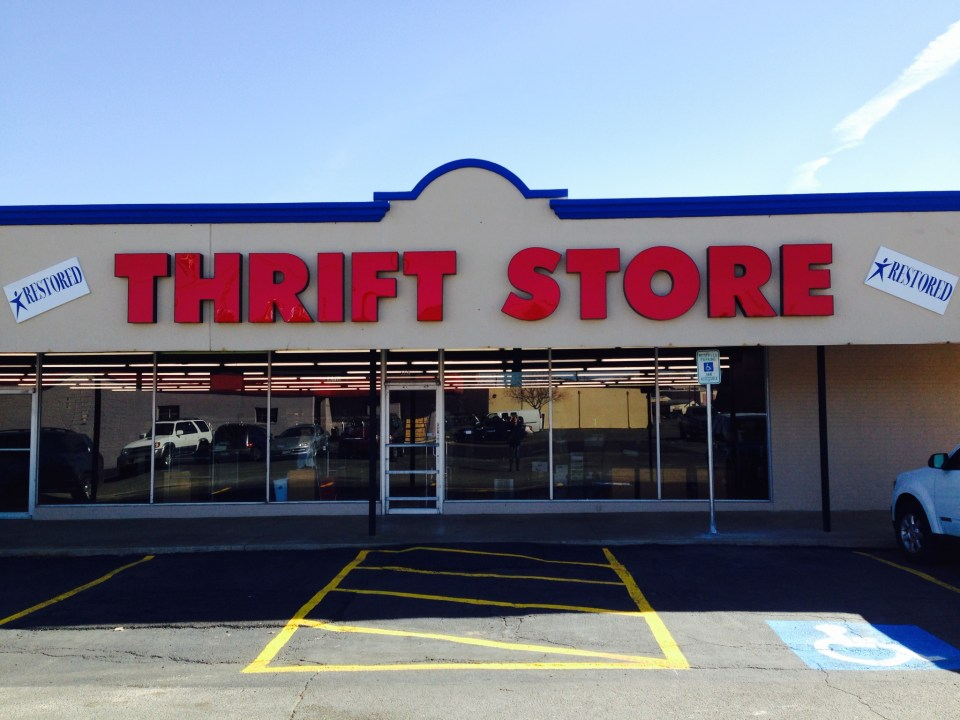 thrift-store-outside-haltom-city