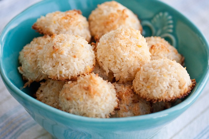 Paleo Quick and Easy Coconut Macaroons