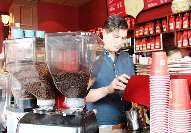 Caffé Artigiano barrista Josh