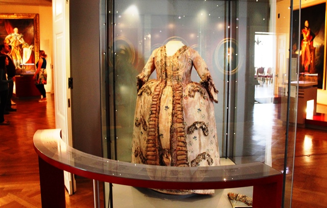 Hanoverian costume and art Celle Castle - photo zoedawes