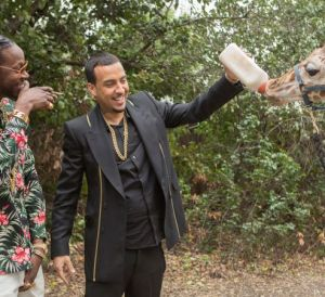 gq_most-expensivest-shit-2-chainz-french-montana-feed-a-40k-giraffe