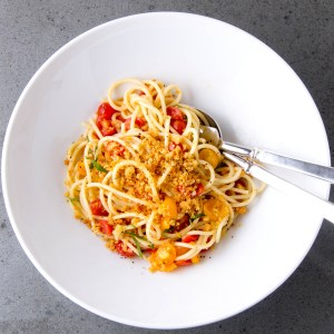 Spaghetti with Cherry Tomatoes and Toasted Crumbs