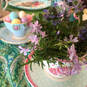 A Living Tablescape for Easter