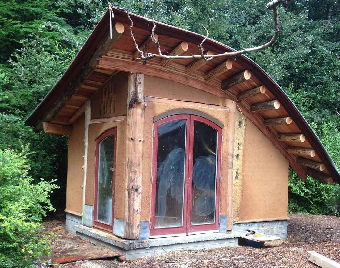 Massey Burke 39 S Cob Timber Cabins In Mendocino County