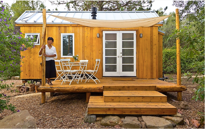 Going Off The Grid In 140 Square Feet The Shelter Blog