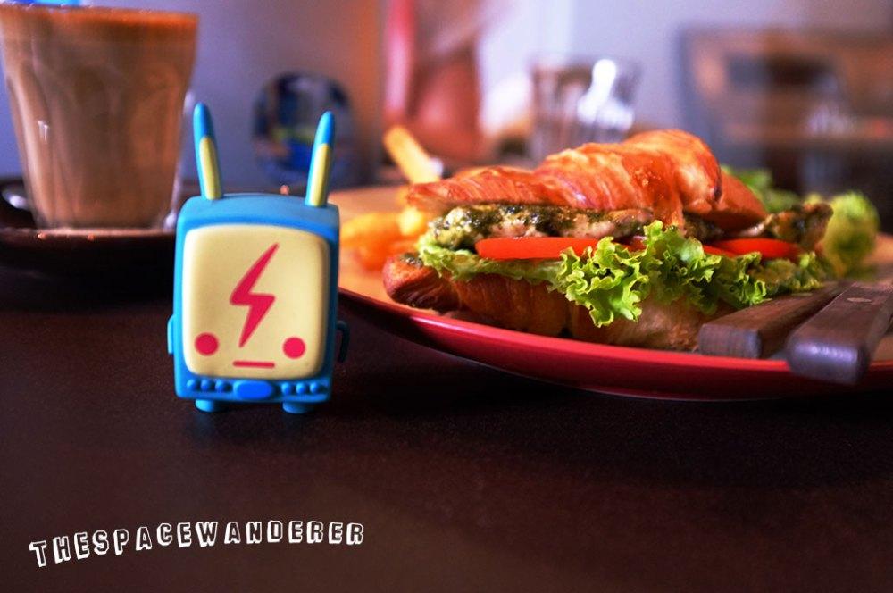 tanamera-03-flat-white-chicken-sandwich-lemi