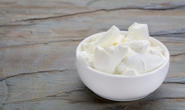 2 ingredient homemade greek yogurt