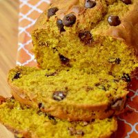 Greek Yogurt Pumpkin Bread (With Chocolate Chips)