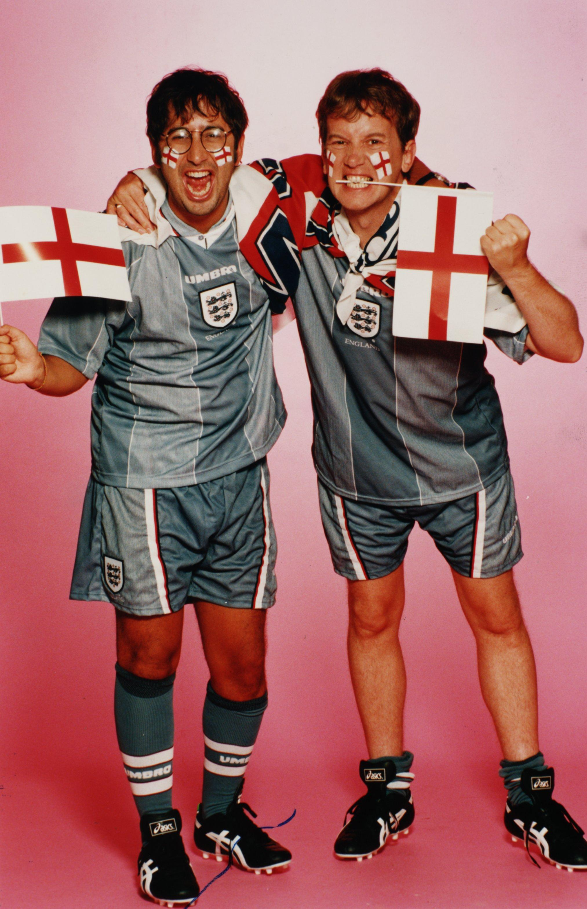 What are the Three Lions lyrics  why do England fans sing the     David Baddiel and Frank Skinner helped write the