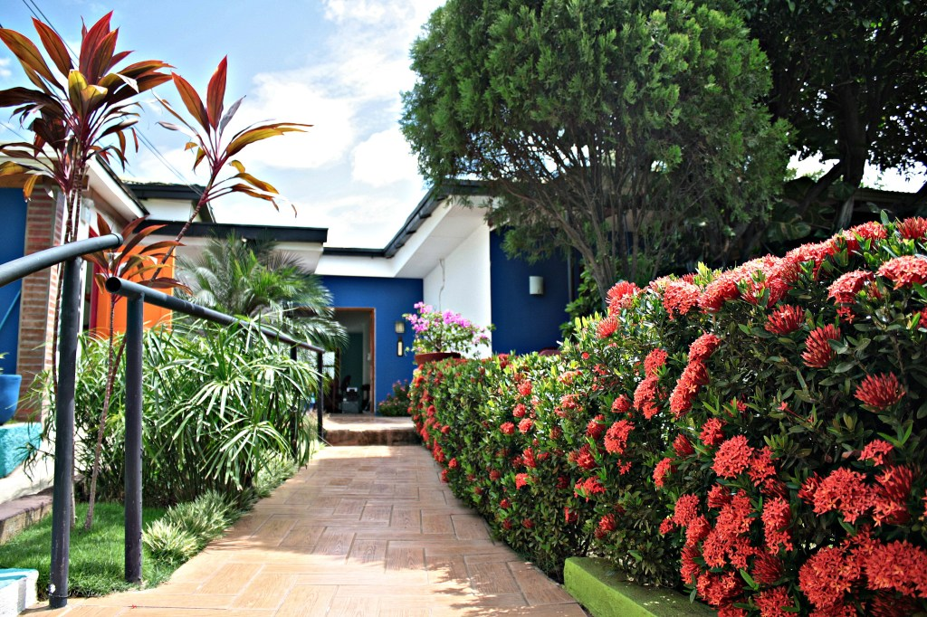 Hotel Maracuya Managua entrance