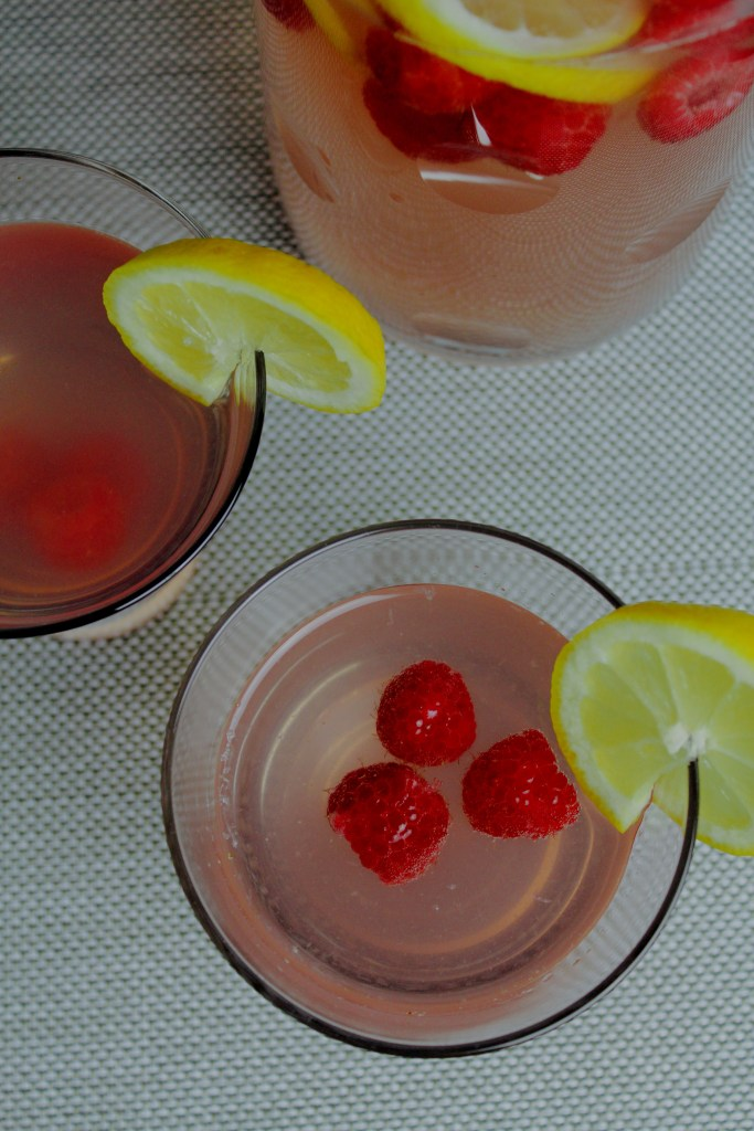 rosé raspberry lemonade