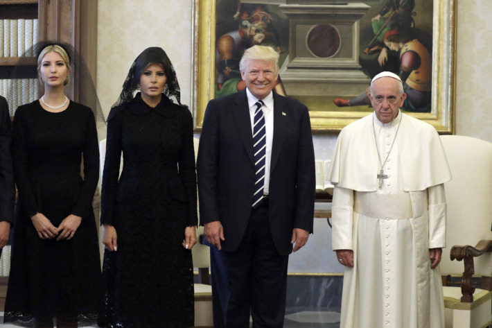 "TRUMP WANTS TO UNITE WITH PAPACY TO FIGHT ""EXTREMISM"""