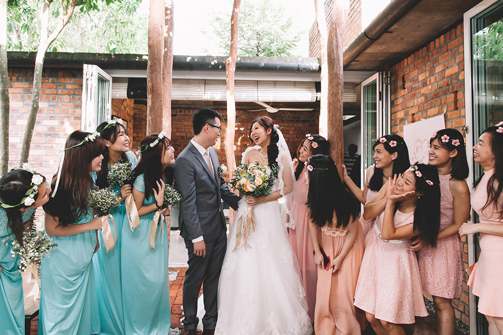 Photo by Arch and Vow Studio. www.theweddingnotebook.com