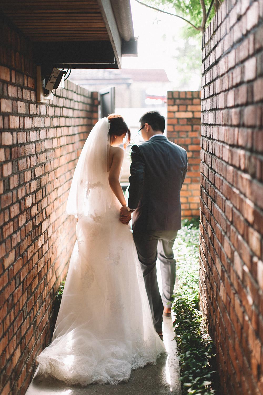 Photo by Arch and Vow Studio. www.theweddingnotebook.com