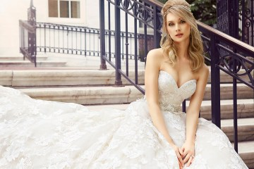 Val Stefani Spring 2017 Collection. www.theweddingnotebook.com