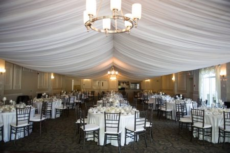Venue: The Elm Hurst Inn | Photo: The Bridal Lounge
