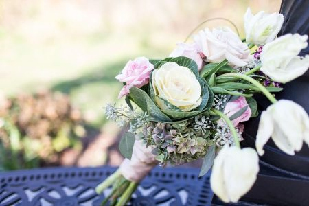 Bouquet: Drimmie Florist | Photo: TJ Durnan