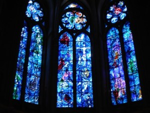 three stained gladd windows nd reims