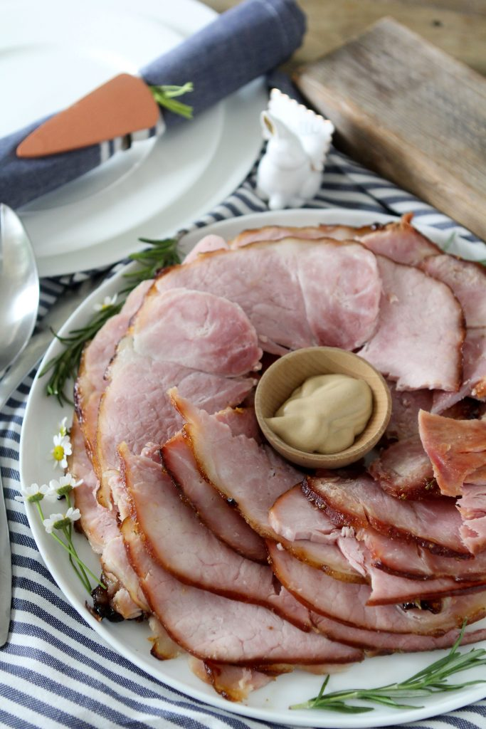 Fig + Bourbon Glazed Ham from the Whole Smiths. Perfect for Easter meals, the entire family will love it! Gluten and grain free.