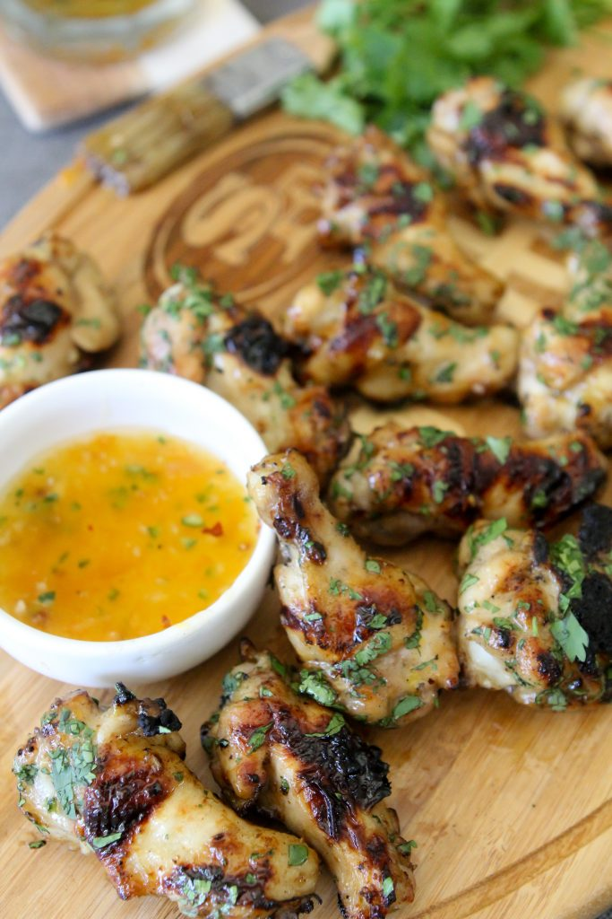 Whole30 compliant Peach + Jalapeño Chicken Wings from the Whole Smiths. The perfect appetizer for any gathering. Particularly during football season!