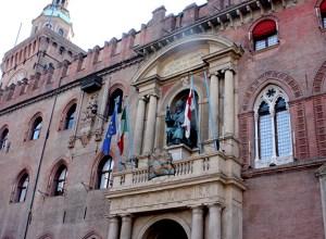 bologna_italy_visit_day_out_fountain_neptune_god_poseidon_city_center_buildings_italian4