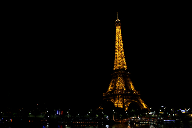 paris_night_eiffel_tower_scape_view_top_experience_lights5