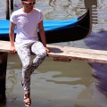 ronan-summers-venice-euro-trip-look-floral-trousers-gucci-zara-sandals-5