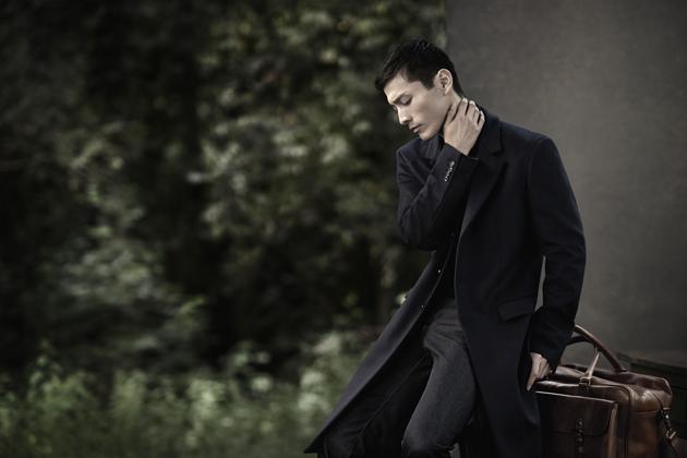 zara-man-autumn-winter-2014-campaign-suit-peacoat-07