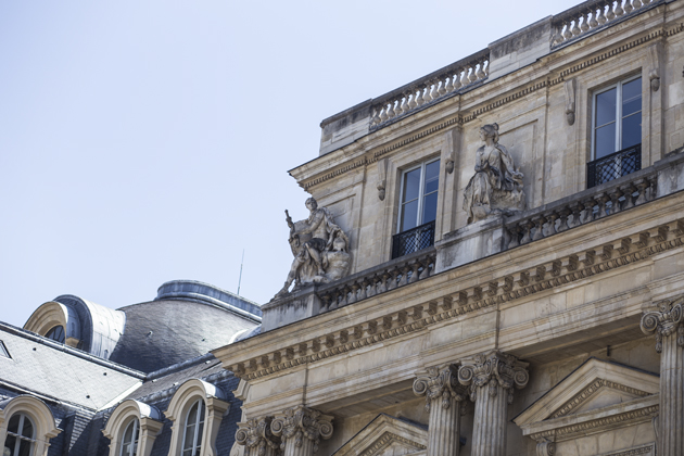 paris-palais-louvre-details-2