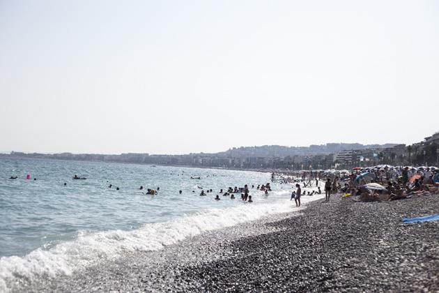 nice-promenade-view-palm-trees-beach-view