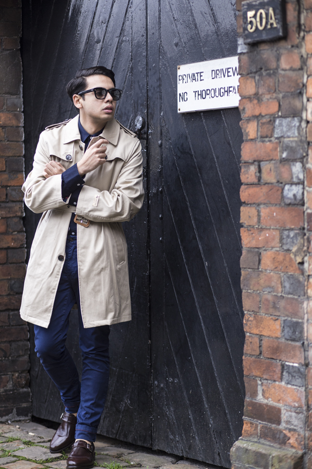 samuel-windsor-aw15-gabardine-trench-ronan-summers-look01-09