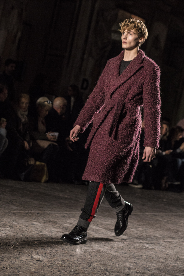christian-pellizzari-autumn-winter-2016-mfw-coat-red-02