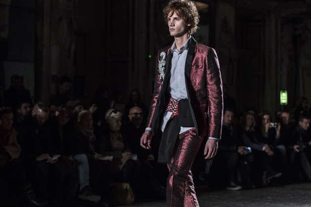 christian-pellizzari-autumn-winter-2016-mfw-coat-red-sparkles-suit-08