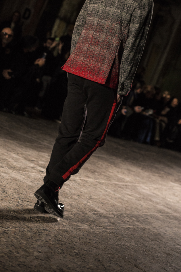 christian-pellizzari-autumn-winter-2016-mfw-suit-red-details