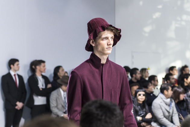 issey-miyake-men-autumn-winter-2016-collection-red-hat-09