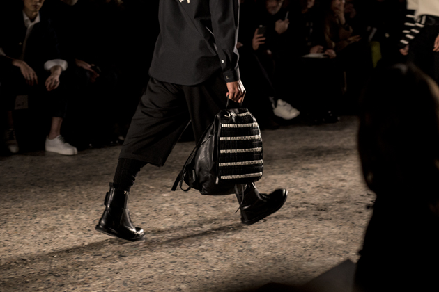 ports-1961-menswear-mfw-autumn-winter-2016-look04-bag-details