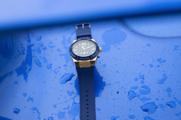 guess-connect-blue-gold-watch-smart-watches-fashion-03