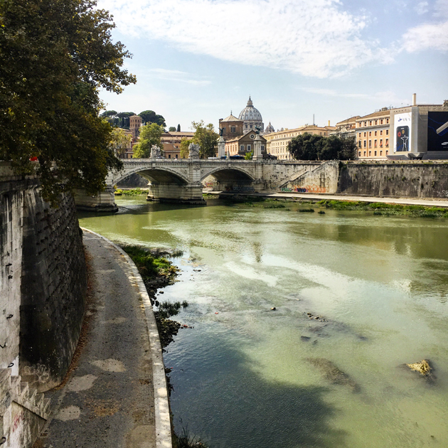 rome-holidays-river-view