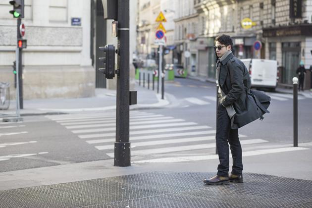 paris-fashion-week-day-3-daks-trench-coat-ss17-05