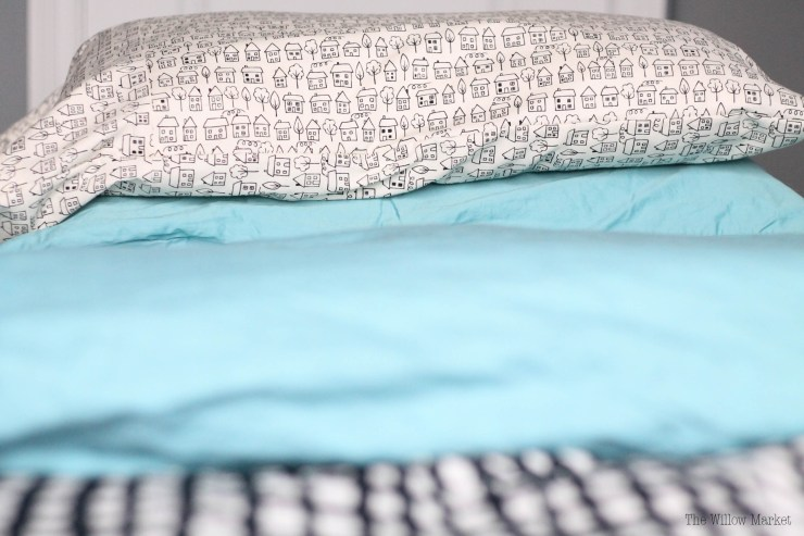13A DIY Tutorial: How to make a pillowcase.