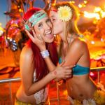 edc girls kiss colin young-wolff