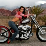girls-and-motorcycles_7152459a