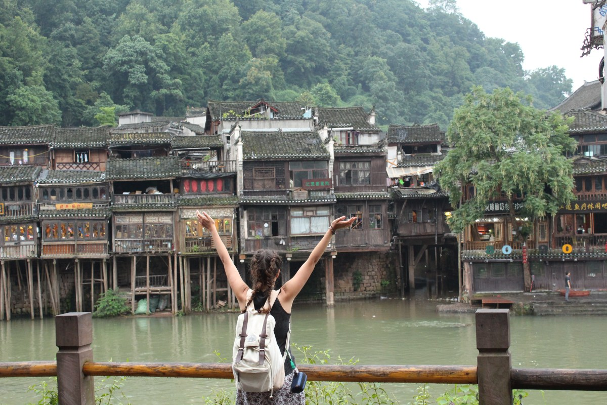 Fenghuang - Life around the River