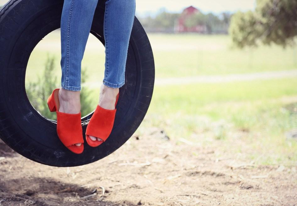 Lilla P Tire Swing 5a